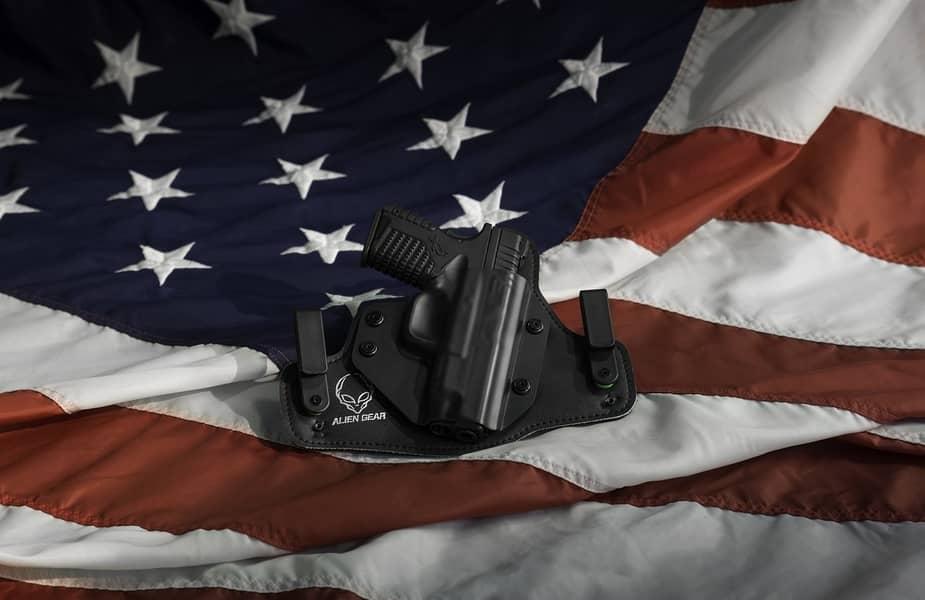 Glock-Laying-on-an-American-Flag