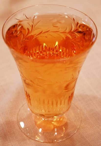 Hard-Cider-on-a-Table